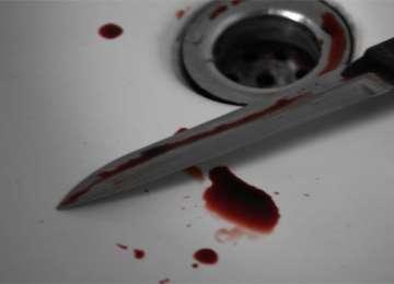 Un băimărean şi-a înfipt cuţitul în abdomen după o ceartă cu soţia