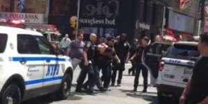 Un bărbat a intrat în plin cu mașina în mulțimea aflată în Times Square, New York