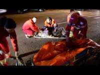 Un bărbat beat a căzut pe carosabil şi a fost accidentat de un autoturism