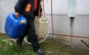 Un bărbat din Baia Sprie a fost înşelat de două persoane care i-au vândut apă în loc de motorină