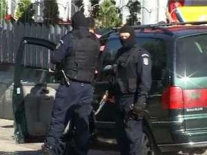 Un barbat din Moisei care detinea arsenal de razboi a fost retinut de politie