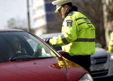 Un bărbat s-a ales cu dosar penal și riscă 5 ani de închisoare pentru că a condus fără permis