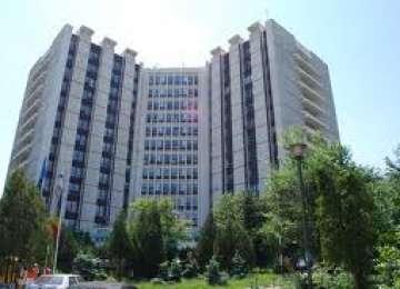 Un bătrân a murit după ce s-a aruncat de la etajul 10 al Spitalului Universitar