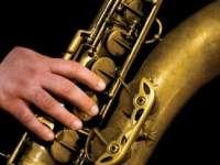 Un cunoscut saxofonist maramureșean, a agresat vânzătoarea unui magazin din Baia Mare