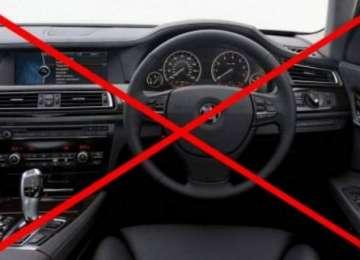 Un deputat PSD vrea să interzică mașinile cu volan pe dreapta în România