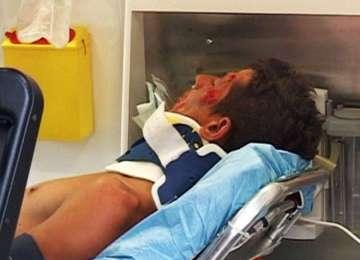 Un elev de liceu a ajuns la spital cu faţa TUMEFIATĂ după ce a refuzat AVANSURILE unei COLEGE de clasă!