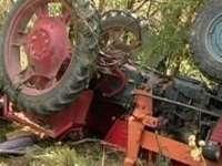 Un maramureşean a decedat după ce s-a răsturnat cu tractorul în şanţ