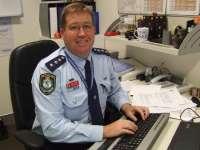 Un ministru al poliției din Australia a fost amendat pentru că a folosit telefonul mobil când se afla la volan