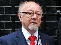 Un parlamentar britanic a murit după ce a băut prea multă vodcă la un dineu oficial în Polonia