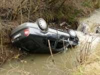 Un sighetean a ajuns la spital după ce a plonjat cu maşina în râul Iza