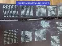 Un șofer român de TIR a fost ARESTAT după ce a încercat să aducă în ţară peste 1.000 de pastile de ecstasy