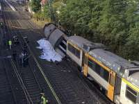 Un tren a deraiat în nordul Spaniei; cel puțin patru persoane au murit