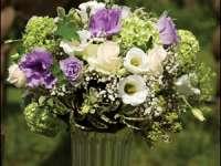 UTIL: Buchetele de flori se păstrează mai mult dacă se pun noaptea într-un loc răcoros