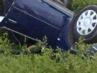 VADU IZEI - Conducător auto rănit după ce s-a răsturnat cu mașina în afara părții carosabile