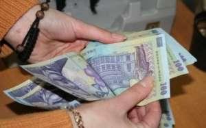 VADU IZEI - Două femei au fost prinse de Polițiști, după ce au furat 6.200 lei și 250 euro de la un sătean