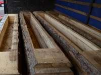 VALEA VIȘEULUI: 16.000 de pachete cu ţigări de contrabandă ascunse în compartimente decupate în cherestea