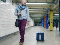 VIDEO:  A fost inventată valiza care își urmează singură proprietarul