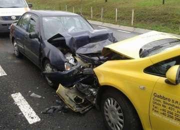 VIDEO: Accident grav pe DN 18. Trei persoane au ajuns la spital