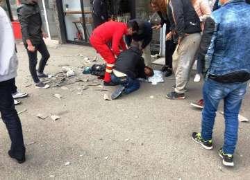 VIDEO: ACTUALIZARE - Bărbat căzut de pe acoperișul unui bloc din Baia Mare