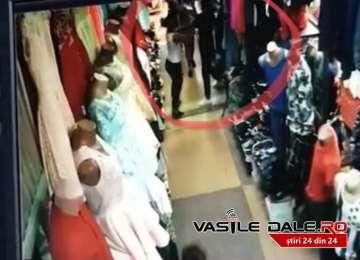 VIDEO: BAIA MARE - Vânzătoare bătută cu pumnii și picioarele într-un magazin