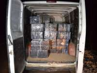 VIDEO: CAPTURĂ RECORD - 28.000 mii de pachete de țigări de contrabandă, confiscate de polițiștii de frontieră