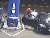 VIDEO - Ce pățește un tânăr care refuză să stingă țigara în benzinărie