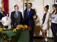 VIDEO: Conform tradiției, președintele Obama a grațiat un curcan de Ziua Recunoștinței