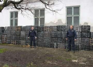 VIDEO CONTRABANDĂ: Focuri de armă şi captură impresionantă de ţigări de contrabandă din Ucraina şi Rusia