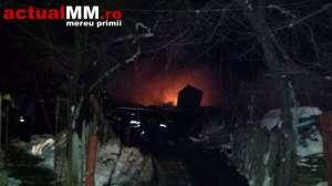 VIDEO - Două incendii violente: La Rohia flăcările au mistuit o casa și anexa acesteia iar la Coroieni un alt imobil