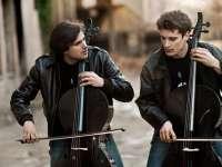 VIDEO: Duoul de violoncelişti 2Cellos concertează în premieră în România. Aflaţi când