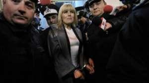 VIDEO - Elena Udrea, reținută; va fi prezentată miercuri ÎCCJ pentru arestare preventivă