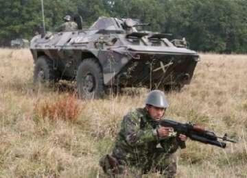VIDEO: Exerciţiu militar în munții Rodnei, la graniţa cu Ucraina. Infanteriștii marini americani şi vânătoriii de munte români se antrenează cot la cot