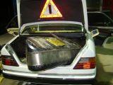 VIDEO: Focuri de armă şi ţigări de contrabandă în valoare de 304.600 lei confiscate la frontiera româno-ucraineană