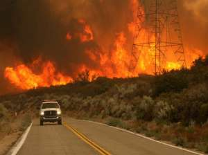 VIDEO - Incendiile de vegetație fac ravagii în SUA