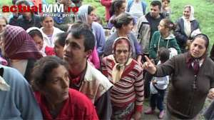 VIDEO: LECȚIE DE VIAȚĂ - Primarul din Coltău nu a dat alimentele de la UE până când rromii nu au făcut curățenie