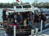 VIDEO - O navă cu migranți clandestini a fost interceptată de Garda de Coastă în largul Portului Mangalia