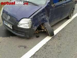VIDEO - O persoană ranită, după ce două mașini s-au ciocnit pe DN18 la Viseu de Jos