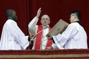 VIDEO - Papa și-a centrat mesajul de Crăciun pe victimele războaielor și violențelor