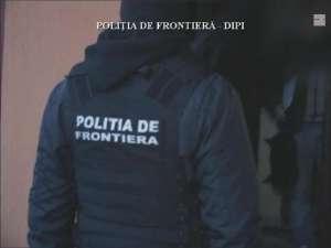 VIDEO: Percheziţii la locuinţele unor persoane implicate în activităţi de contrabandă