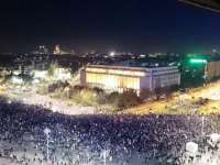 VIDEO: Protest Colectiv - Zeci de mii de oameni au manifestat în Capitală și în mai multe orașe din țară