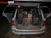 VIDEO: SARASĂU - Țigări de contrabandă confiscate de către Polițiștii de frontieră. Contrabandistul a încercat sa fugă