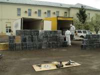 VIDEO - Țigări de contrabandă în valoare de aproape 90.000 de euro, confiscate de către polițiștii de frontieră pe dealul Hera