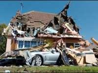 VIDEO - Un bărbat din SUA și-a dărâmat casa cu o mașină de teren de supărare că îl înșela nevasta