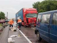 VIDEO: Un mort și șapte răniți în urma unui accident produs de un TIR înmatriculat în Maramureș