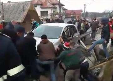 VIDEO: Un tânăr din Rona de Sus a ajuns la spital în urma unui accident rutier