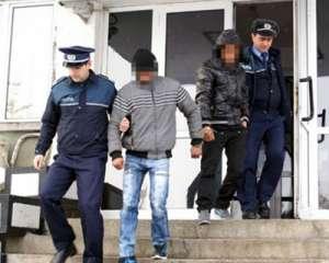 VIŞEU DE JOS: Trei tineri, dintre care doi minori, identificaţi de poliţişti la scurt timp de la comiterea unui furt