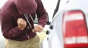 VIŞEU DE SUS: Minor de 15 ani, bănuit de comiterea a peste 10 furturi din autoturisme şi anexe