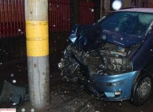 Vișeu de sus: ACCIDENT MORTAL - Un tânăr fără permis și cu numerele mașinii expirate s-a izbit cu autoturismul într-un stâlp