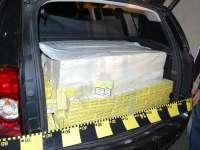 VIȘEU DE SUS - Aproximativ 6.000 pachete de țigări găsite într-un autoturism abandonat. Un bărbat de 40 de ani, cercetat