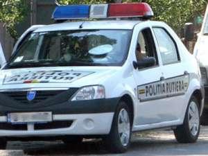 Vişeu de Sus: Beat şi fără permis la volanul unei maşini furate